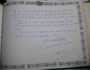Hoja del libro de Tertulia 17, donde firmo Miguel Ángel de Blas