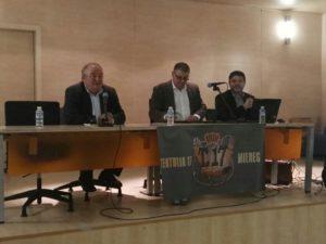 """Los miembros de la mesa en la charla de """"CYBERBULLYING"""" de izquierda a derecha, José Fernández, Juan José Menéndez y el ponente Joaquín M. González Cabrera (28-10-16)"""