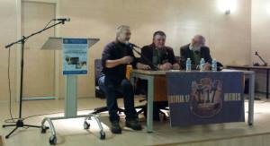 la mesa del acto con Ángel Villa, Juanjo y Miguel Ángel de Blas
